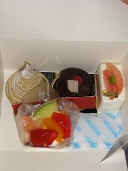地元のケーキ.jpg