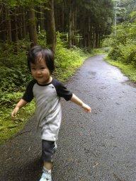 天音湖畔を歩く.jpg