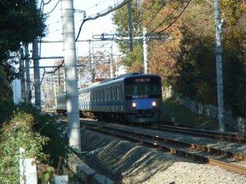 青い電車.jpg